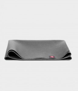 Manduka SuperLite Travel Charcoal 180x61 cm 1,5 mm