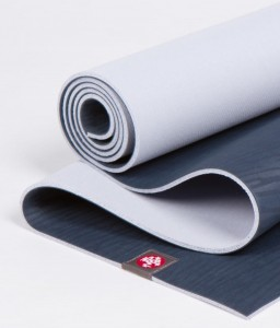 Manduka eKO Midnight 180x66 cm 5,0 mm