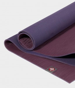 Manduka eKO Acai Midnight 180x61 cm 5,0 mm